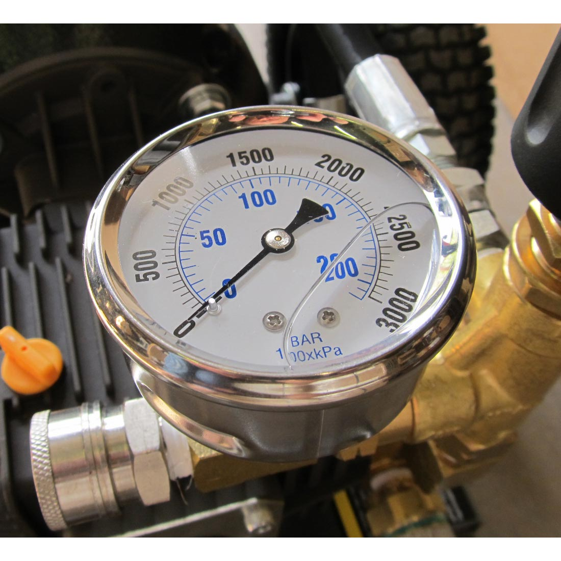 Pressure Gauge 3000 Psi Stainless Steel Back Mount 8.710-258.0  A107  53617 2.5in Mounting