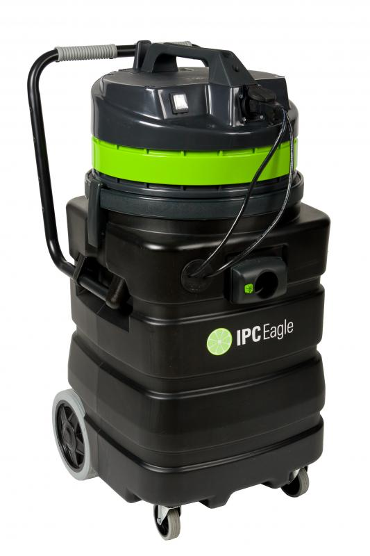 IPC Eagle S6415P-AD-SL Wet Auto Discharge Slurry Vac, Poly, 1 Motor. Includes 1.5 in.  hose, 3 piece plastic wand, and squeegee tool