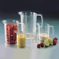 Rubbermaid Commerical RCP3215CLE  1/2 QT MEASURING CUP CLEAR