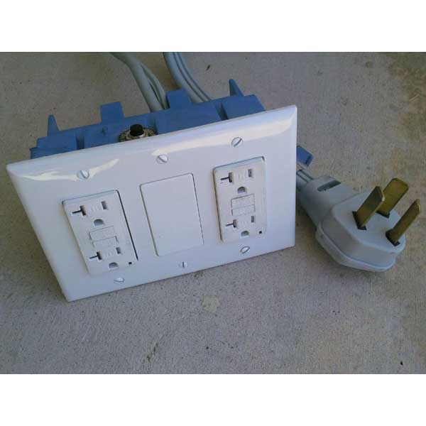 220 Volt to 110 Volt 30 Amp Safety Feature - 785007207187 ...