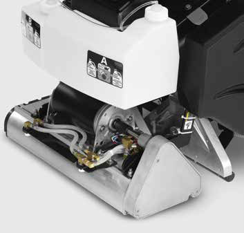 large area carpet cleaning machine