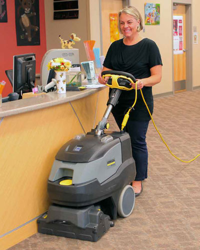windsor armada forward walking self contained carpet cleaning machine